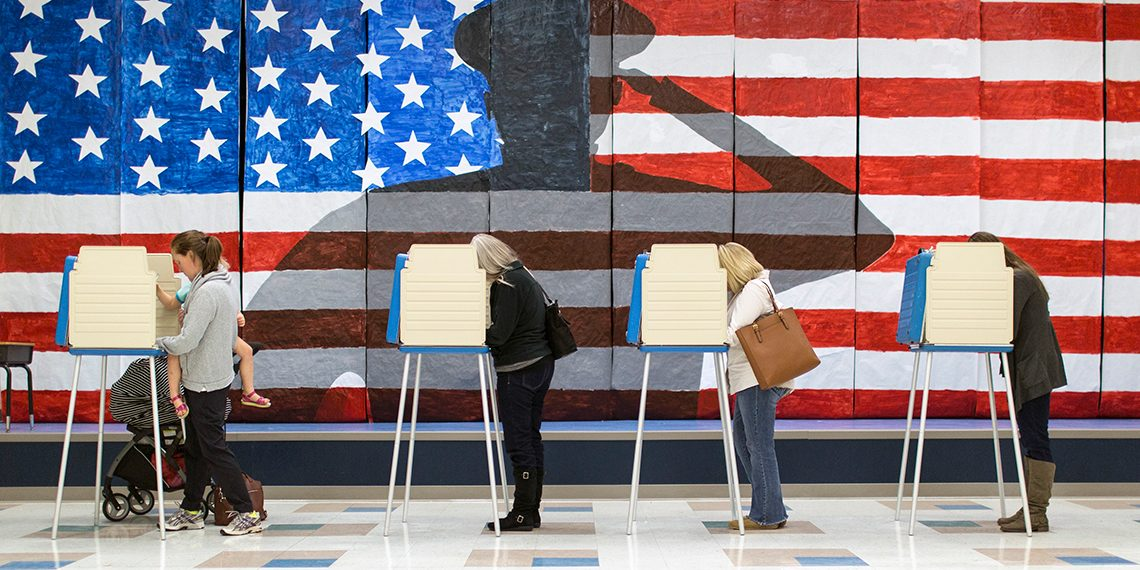 سيطر الديمقراطيون على مجلس النواب واستأثر الجمهوريون بالشيوخ – رويترز