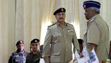 """Photo of (العربية) معركة طرابلس.. هل يتحوّل """"حفتر"""" إلى معمر قذافي جديد؟"""